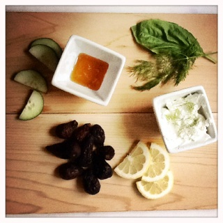 herb goat cheese and fig sandwiches ingredients