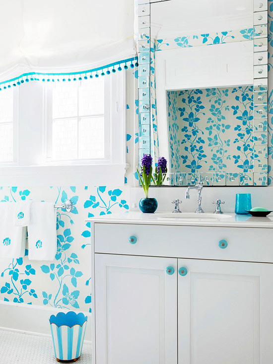 small bathroom patterned wallpaper BHG