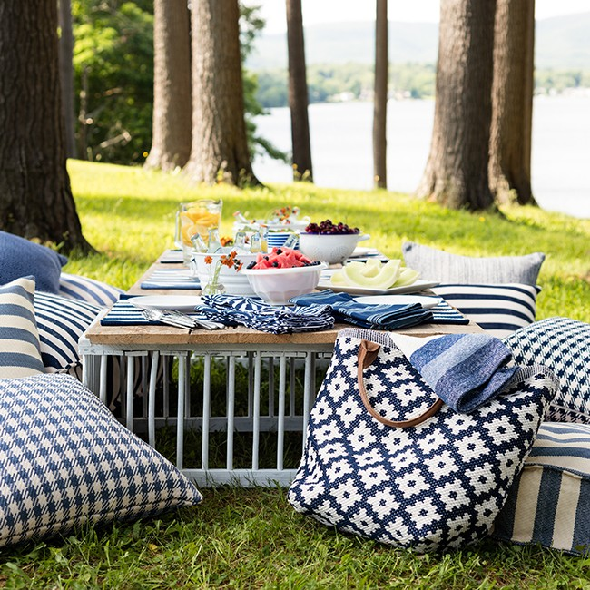 July 4 outdoor party table setting