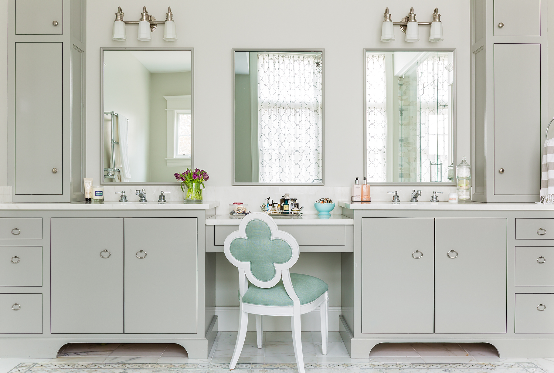 10 minutes with erin gates of elements of style fresh for Bathroom gate design