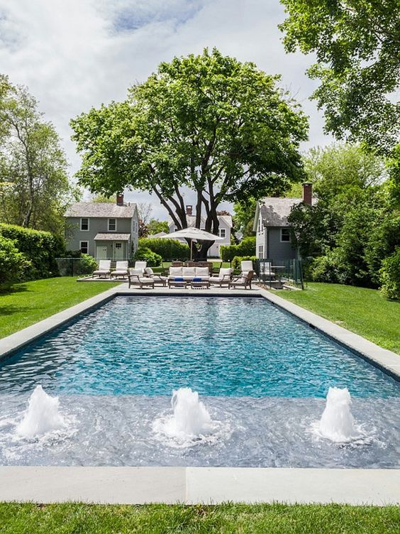 We re crushing on hamptons style fresh american style for Pool design hamptons