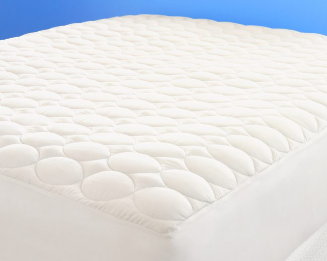 True to its name, our Cloud Mattress Cover is lofty, soft, and luxurious.