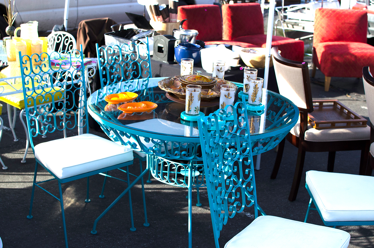 The Palm Springs Vintage Market (photo credit: Nichole Gawalis) | Fresh American Style
