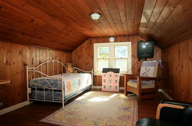 attic masterbedroom