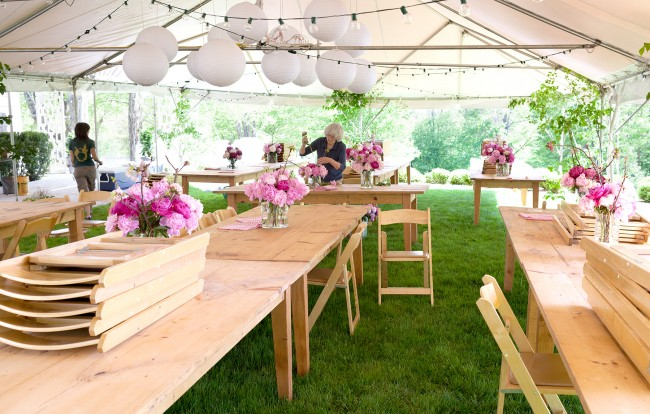 Simple Outdoor Party Table Decorations