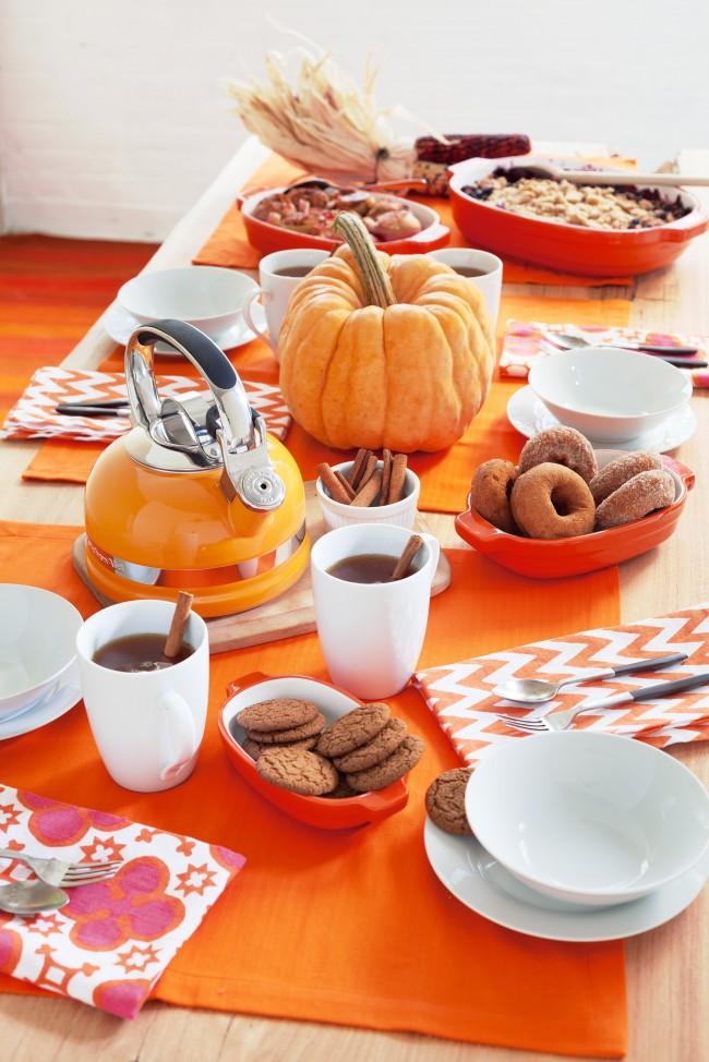 Fall table setting Annie Selke 1