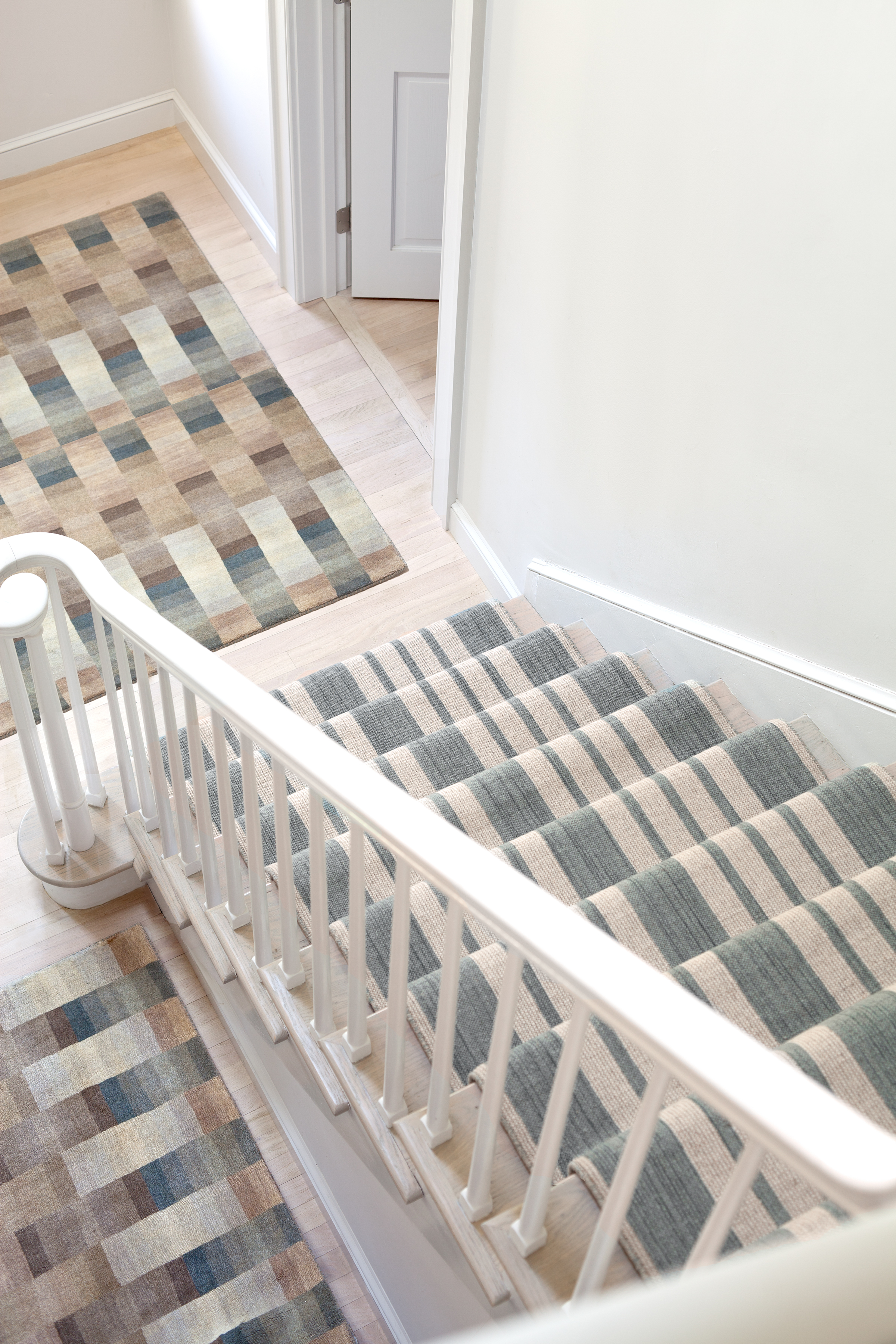 Woven carpet for stairs floor matttroy for Woven carpet for stairs
