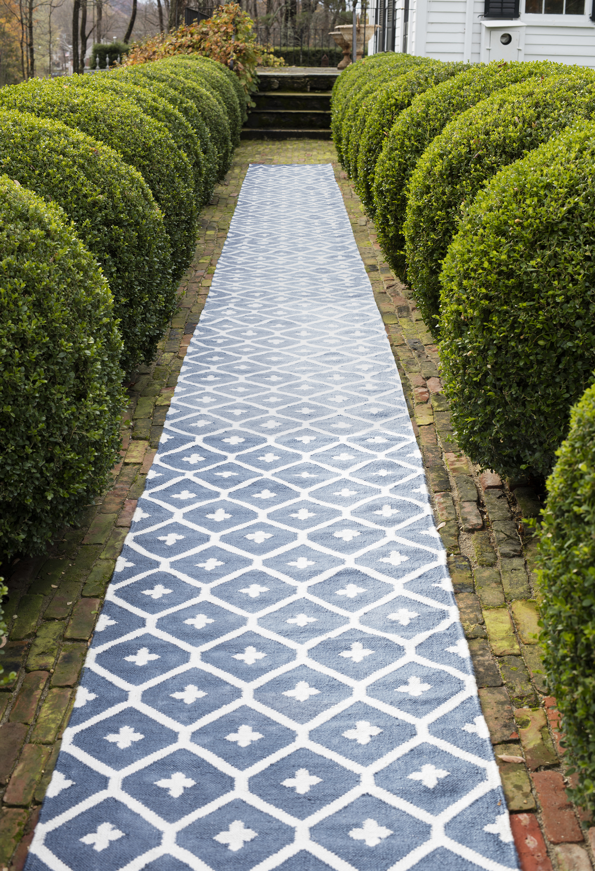 Elizabeth Navy Indoor/Outdoor Rug | Fresh American Style