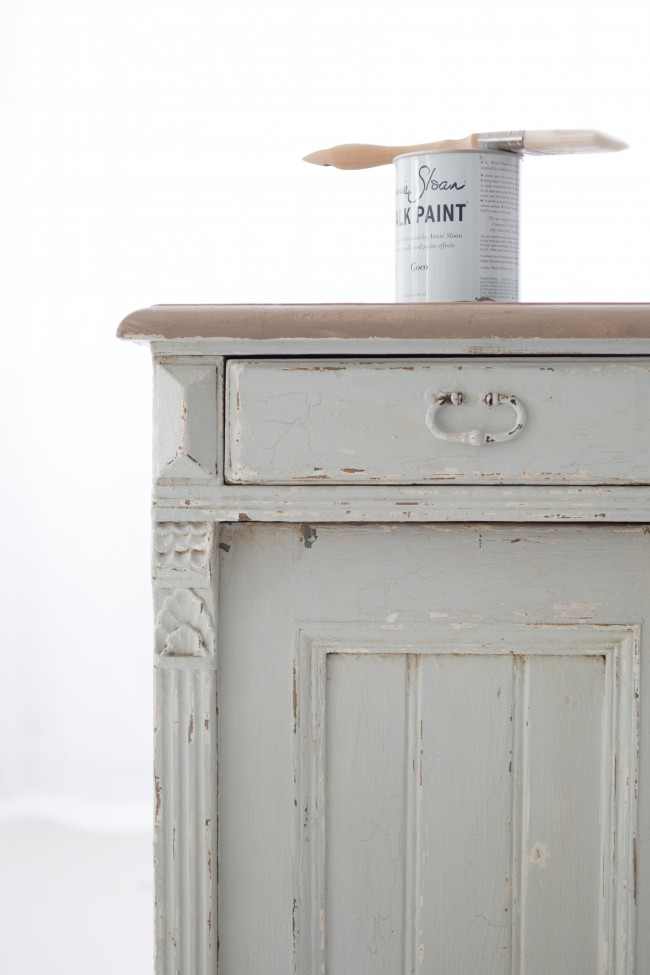 how to chalk paint 3
