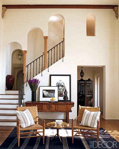 Ellen-Pompeo-staircase-in-Elle-Decor
