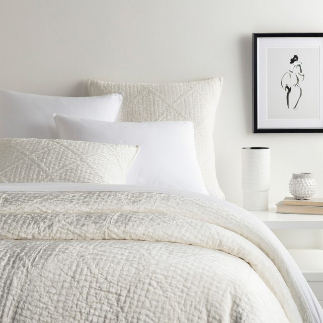 Bed-Ed: The Ultimate White Bed | Annie Selke's Fresh American Style